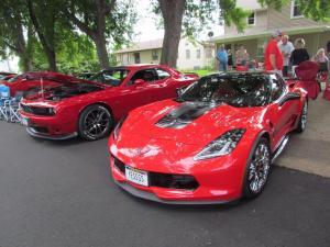 Pretty red cars