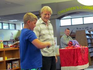 Magician Larry Dunbar at Kingsley Library